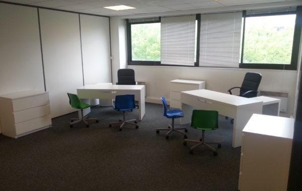 Bureaux 25m² meublé fermé 420€